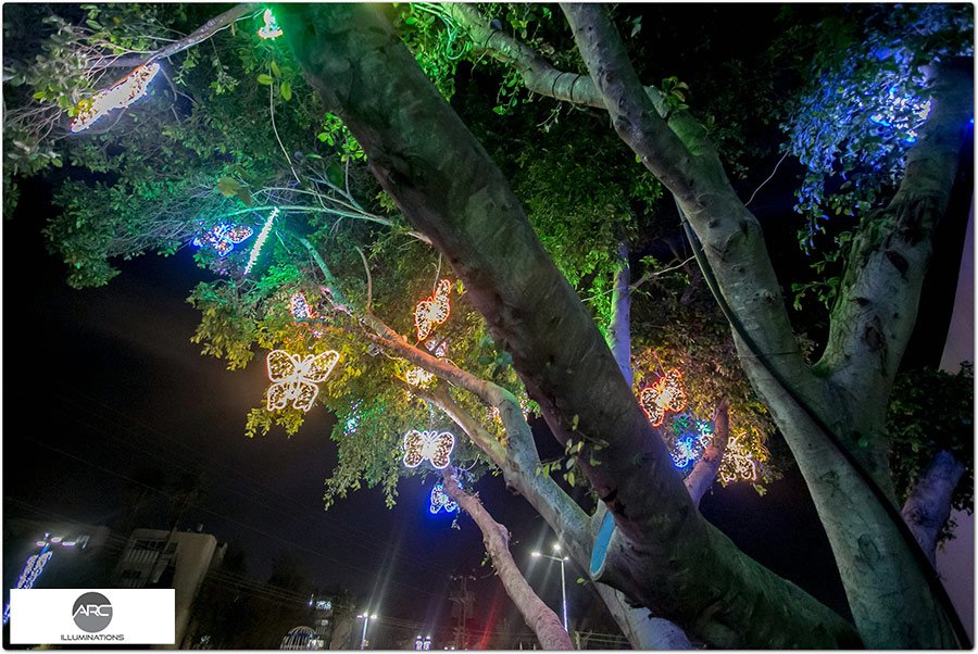 The Butterflies Tree light ornaments (4)