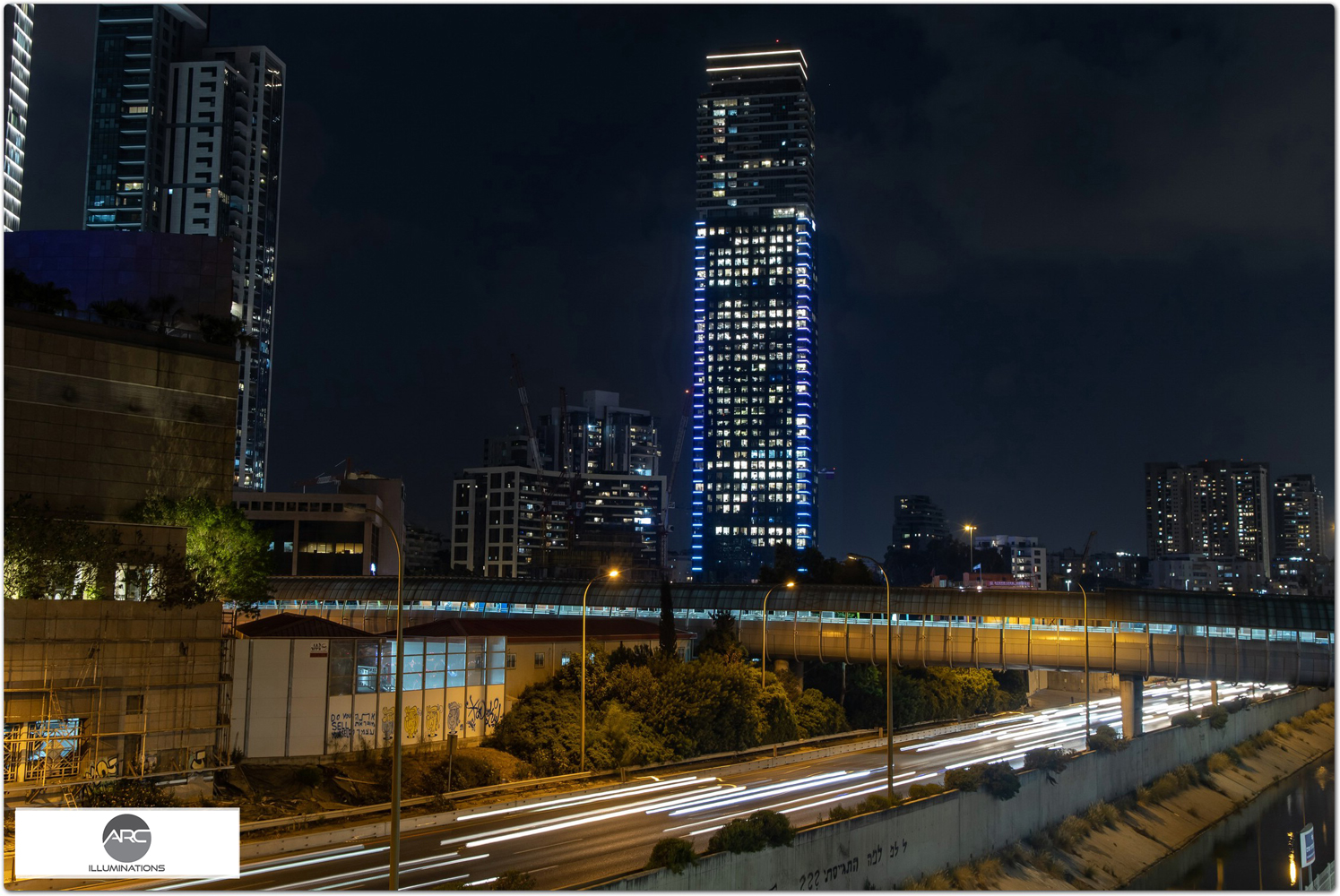 Exterior lighting for skyscrapers