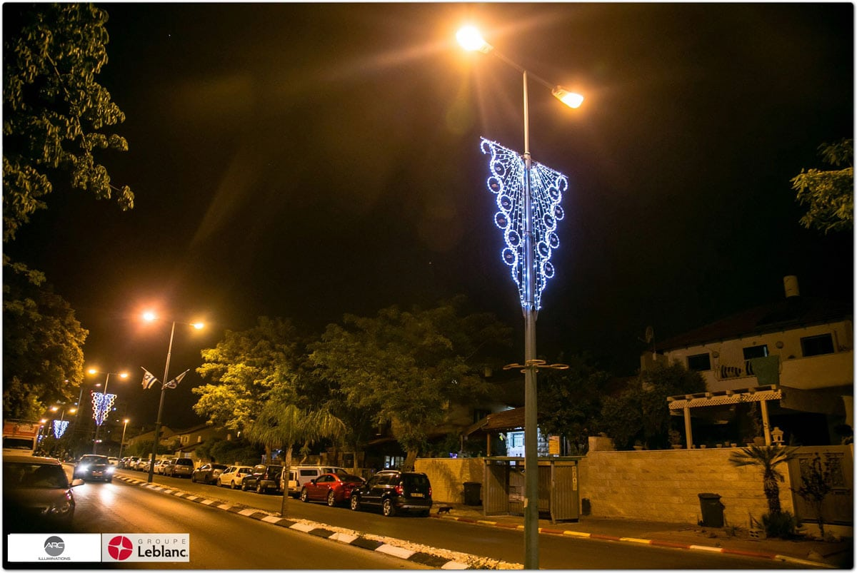 City Lampost Decoration (8)