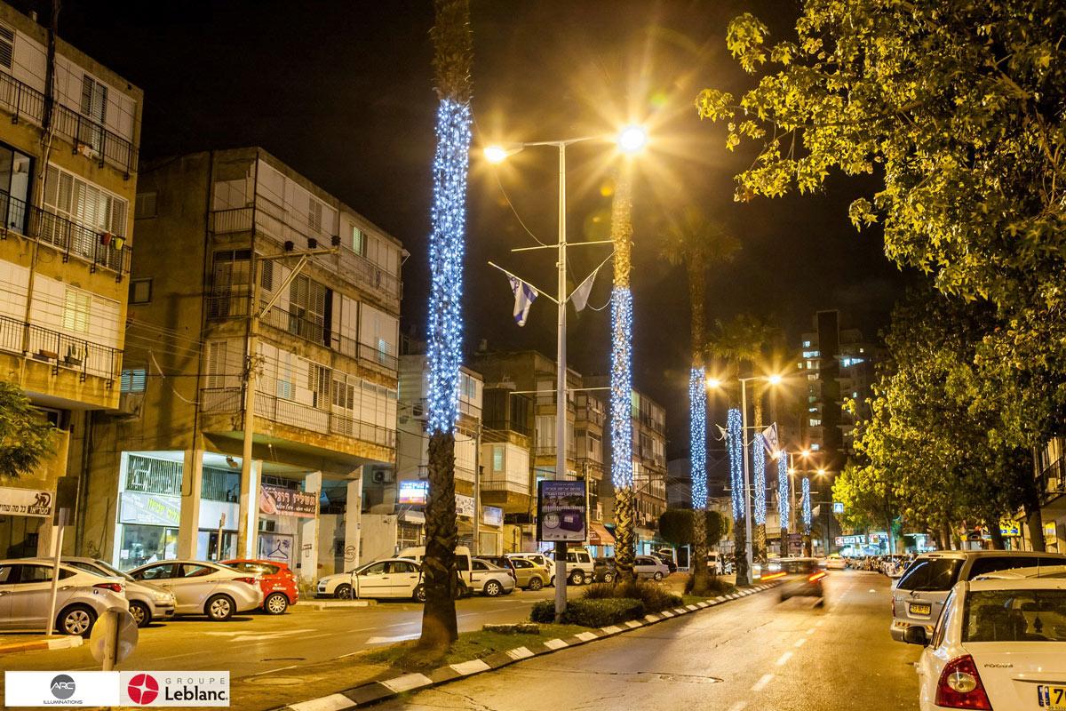 Street lighting decorations (3)
